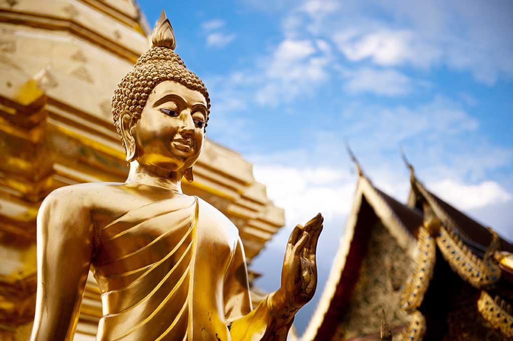 thai Buddha statue smile